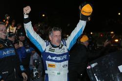 Race winner Oswaldo Negri Jr., Michael Shank Racing with Curb/Agajanian