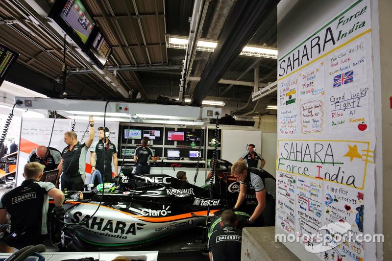 Nico Hulkenberg, Sahara Force India F1 VJM09 con i messaggi di supporto sul muro
