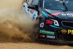 Shae Davies, Chris Van Der Drift, Erebus Motorsport Holden run out