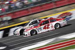 Kyle Larson, Chip Ganassi Racing, Chevrolet; Danica Patrick, Stewart-Haas Racing, Chevrolet