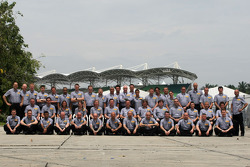 Pirelli crew group picture