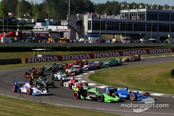 Danica Patrick, Andretti Autosport and Oriol Servia, Newman/Haas Racing battle