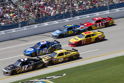 Matt Kenseth, Roush Fenway Racing Ford, David Ragan, Roush Fenway Racing Ford, Brad Keselowski, Penske Racing Dodge, Kurt Busch, Penske Racing Dodge, Greg Biffle, Roush Fenway Racing Ford, Trevor Bayne, Wood Brothers Racing Ford