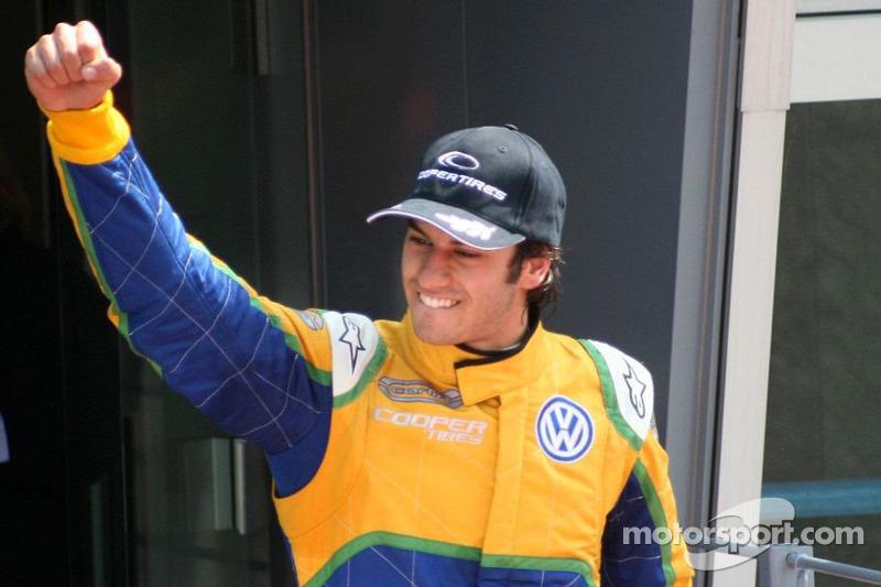 Em 2011, o piloto de Brasília conquistou o título da F3 britânica com a equipe Carlin. Em 30 provas, ele conseguiu 7 vitórias, 17 pódios e 4 poles.