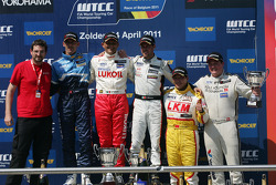 Gabriele Tarquini, Seat Leon 2.0 TDI, Lukoil - Sunred race winner, Alain Menu, Chevrolet Cruze 1.6T, Chevrolet 2nd position and Tiago Monteiro, Seat Leon 2.0 TDI, Sunred 3rd position