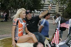 Drivers parade: Oriol Servia