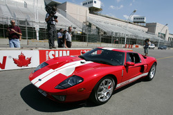 Molson Indy 2005 media event: Paul Tracy drives the Ford GT pace car for the Molson Indy 2005