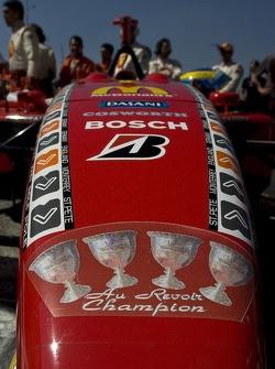 Calcomanías de campeonato en el coche de Sébastien Bourdais