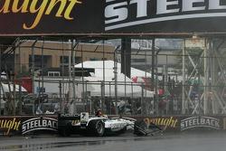 Oriol Servia crashes