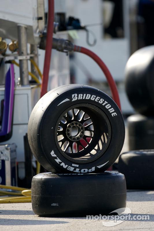 Les pneus Bridgestone prêt à y aller