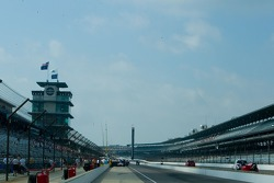 View of the long pitlane at IMS