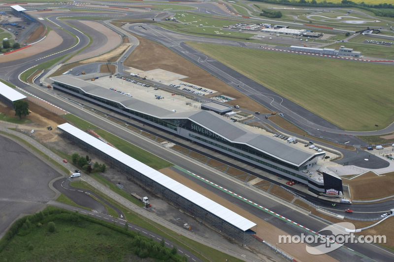 Silverstone's nieuwe Pit, Paddock en Conference Complex