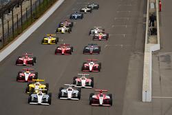Старт: Джозеф Ньюгарден та Брайан Клаусон, Sam Schmidt Motorsports та Стефан Вілсон, Andretti Motor