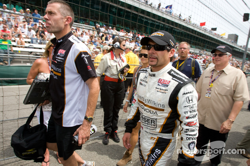 A disappointed Alex Tagliani, Sam Schmidt Motorsports after retiring