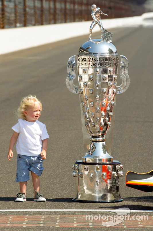 Winners photoshoot: Dan Wheldon's son poses with the Borg-Warner Trophy