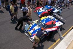 Pre-Race Fan Walk #2 Starworks Motorsport Ford Riley: Alex Popow, Enzo Potolicchio