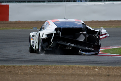 Damaged car of #8 Young Driver AMR Aston Martin DBR9 GT1: Stefan Mücke, Darren Turner
