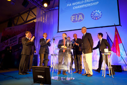 ACO press conference: FIA President Jean Todt and ACO President Jean-Claude Plassart sign the agreement between the FIA and the ACO