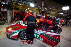 PIt stop for #51 AF Corse Ferrari 458 Italia: Giancarlo Fisichella, Gianmaria Bruni, Toni Vilander