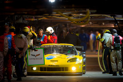 Pit stop for #74 Corvette Racing Chevrolet Corvette C6 ZR1: Oliver Gavin, Jan Magnussen, Richard Westbrook