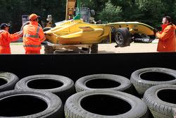 Felipe Nasr wrecked car