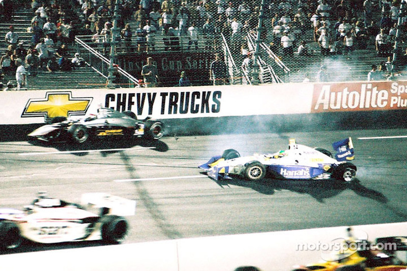 Eddie Cheever and Eliseo Salazar crash in the 214th lap