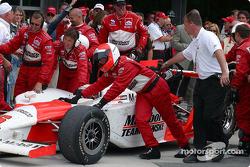 Race winner Gil de Ferran arrives at victory lane