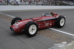 Vintage racers: 1958 Bryant Special #61 on the Yard of Bricks