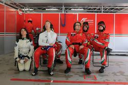#71 AF Corse Ferrari 488 GTE: Sam Bird, Louise Beckett, FIA WEC journalist