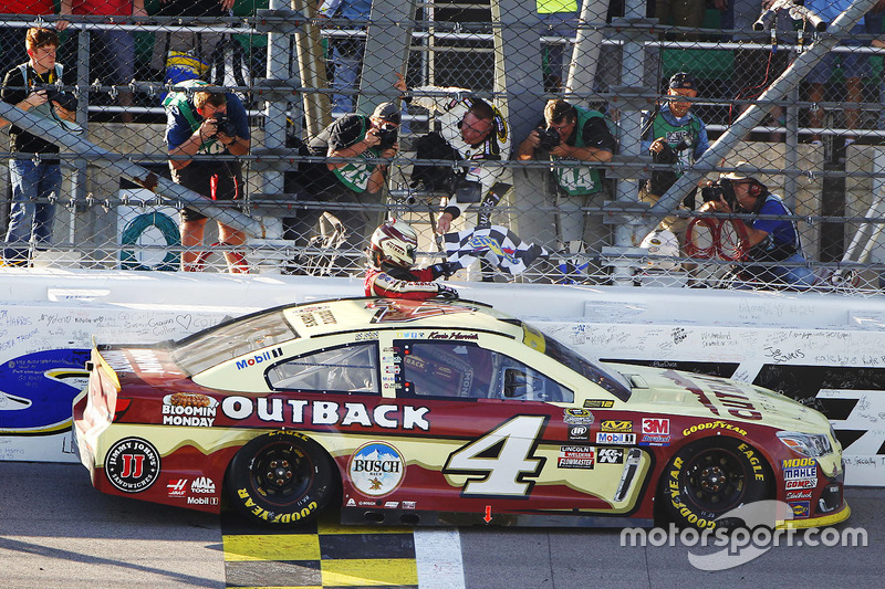 Kansas City: Kevin Harvick (Stewart/Haas-Chevrolet)