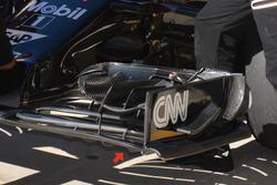 McLaren MP4-31, voorvleugel