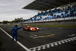 Checkered flag for #38 G-Drive Racing Gibson 015S-Nissan: Simon Dolan, Giedo van der Garde, Harry Tincknell
