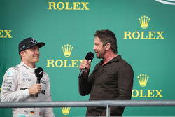 Nico Rosberg, Mercedes AMG Petronas F1 W07 and Gerard Butler, Actor