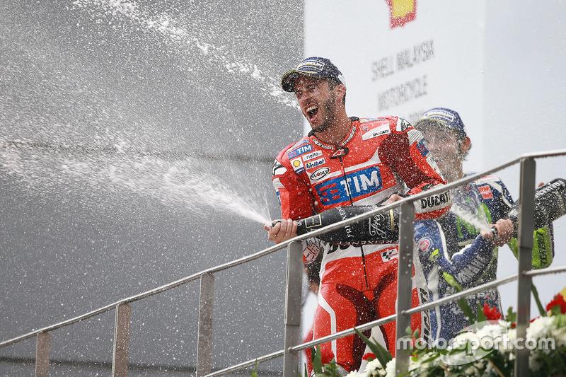 Podio: ganador de la carrera Andrea Dovizioso, Ducati Team