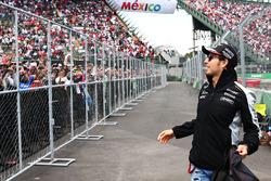Sergio Perez, Sahara Force India F1 lors de la parade des pilotes
