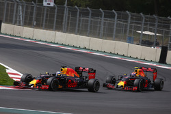 Daniel Ricciardo, Red Bull Racing RB12 en Max Verstappen, Red Bull Racing RB12