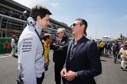 Toto Wolff, Mercedes AMG F1 accionista y Director Ejecutivo, con Carlos Slim Domit, Presidente de América móvil en la red