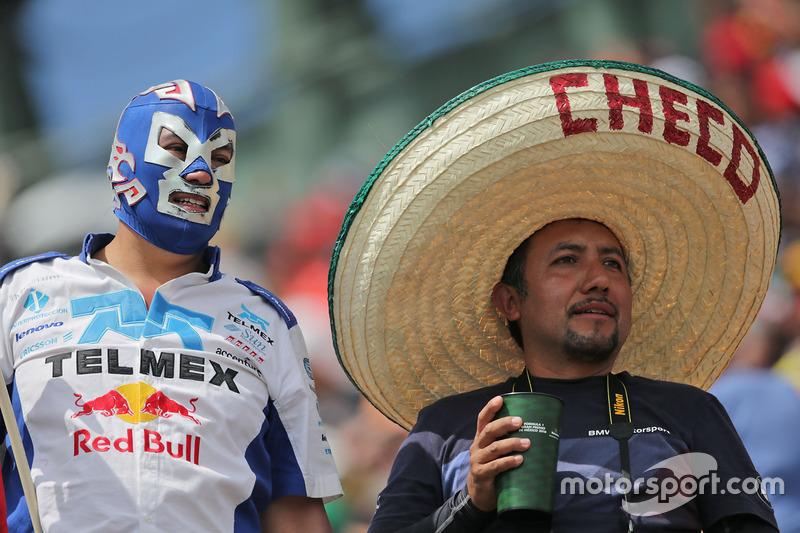 Un fan enmascarado y Sergio Pérez, Sahara Force India F1
