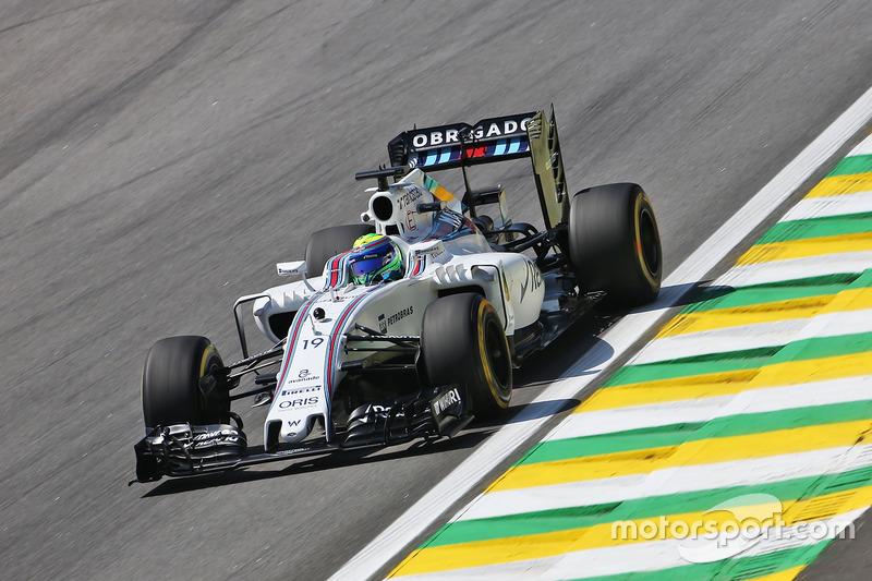 Фелипе Масса на первой пятничной тренировке Гран При Бразилии.