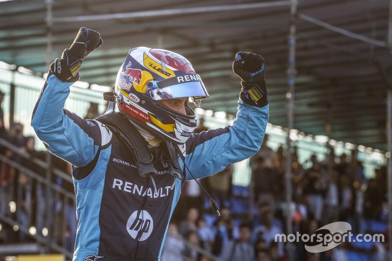 Sébastien Buemi foi o melhor no ePrix do Marrocos. Sam Bird e Felix Rosenqvist fecharam o pódio.