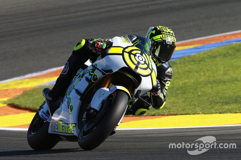 Andrea Iannone testa pela Suzuki