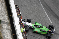 Crash: Dan Ticktum, Double R Racing, Dallara Mercedes