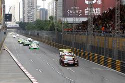Startac tion, Laurens Vanthoor, Audi Sport Team WRT Audi R8 LMS leads