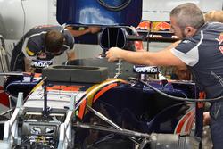Daniil Kvyat, Scuderia Toro Rosso, detalle del STR11