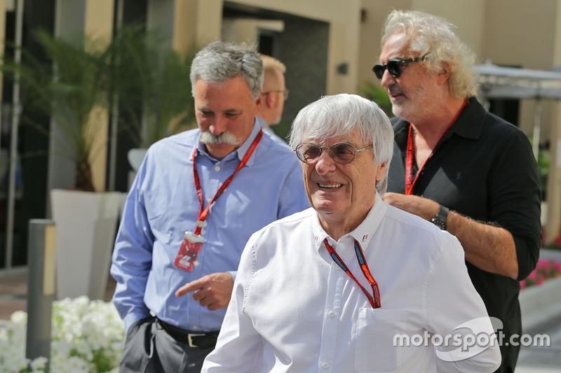 Bernie Ecclestone, avec Chase Carey, Président du Formula One Group et Flavio Briatore