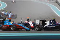 Алекс Палоу, Campos Racing, попереду Джуліано Алезі, Trident, і Арджуна Майні, Jenzer Motorsport