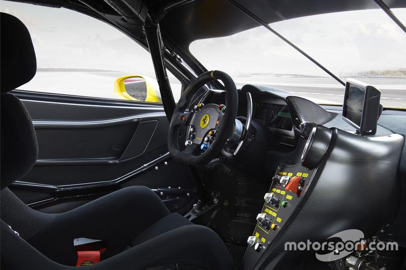 Cockpit: Ferrari 488 Challenge
