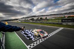 Adrian Amstutz, Patrick Kujala, Bonaldi Motorsport takes the checkered flag