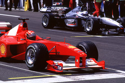 Michael Schumacher, Ferrari y David Coulthard, McLaren