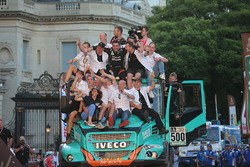 #500 Team De Rooy, IVECO: Gerard De Rooy, Moi Torrallardona, Darek Rodewald mit dem Team